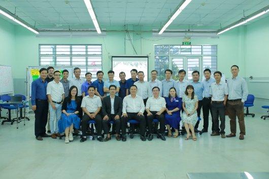 Ông Lê Quốc Hùng, Hiệu trưởng Trường Cao đẳng Long An, phát biểu khai mạc Khóa tập huấn